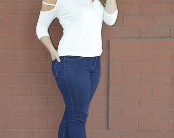 Plus size cut out sleeve top