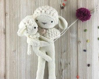 Sheep crochet- Amigurumi lamb - MADE to ORDER - crochet stuffed animal, sheep baby mama doll, baby gift, amigurumi sheep toy, sheep nursery