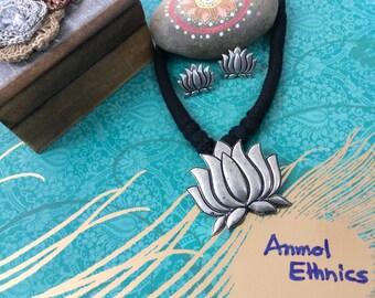 Germen Silver Lotus 3pc Necklace Set