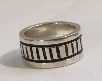 Sterling Silver Ring 925 Antiqued Design Band Ring Size 5