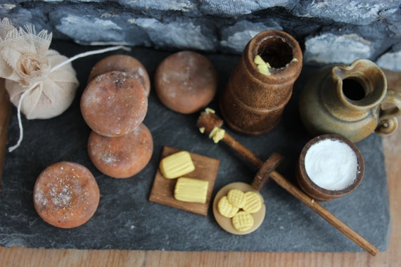 food in the medieval period Alcohol in the middle ages, dark ages, or medieval period alcohol in the middle ages spanned hundreds of years the middle ages are also the dark ages or the medieval period.