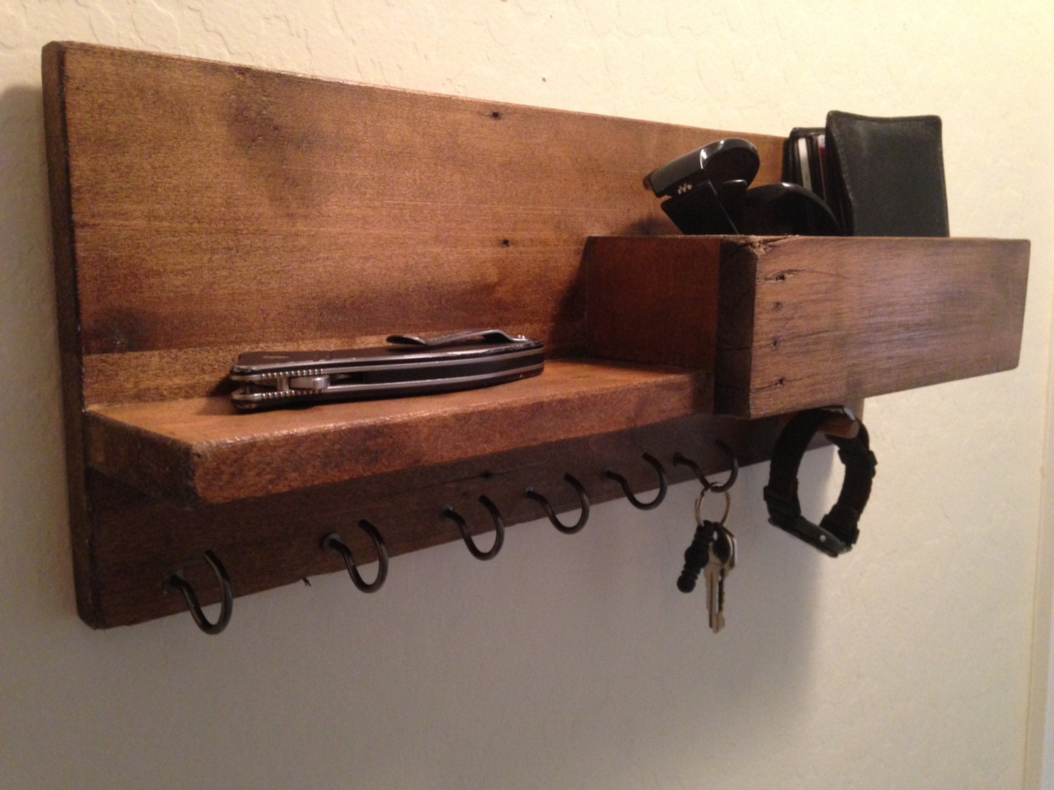 how to add auskey holder