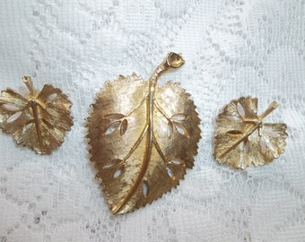 Set of Leaf Jewellery - Leaf Pin with matching leaf clip on earrings