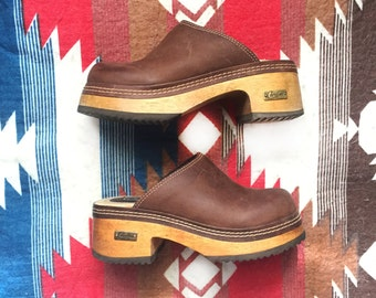 Vtg Clogs Brown Leather with Wooden Heels  |  Size 6  |  90s Candies Clogs