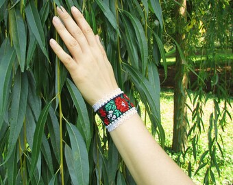 Elegant folk bracelet with flower motive decorated with lace and bead embroidery, Elegant folk jewelry, Lace jewelry, Lace folk bracelet