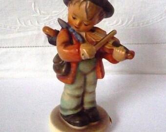 "Goebel Hummel Figurine 'Little Fiddler' TMK 5 1972-9 5"""