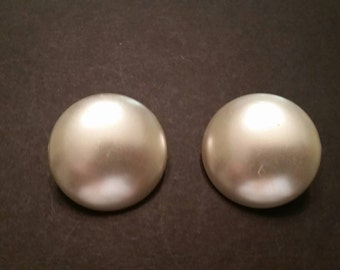 Vintage Pearlized Earrings White Disc Costume Jewelry