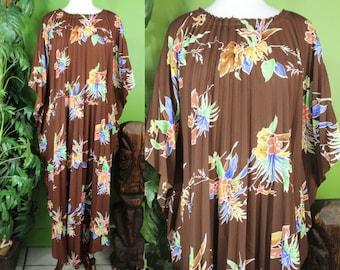 Hawaiian Caftan.....70's Poly Pleated Hawaiian Print Caftan Swim Suit Cover
