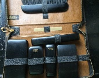 Vintage Men's Travel Grooming Kit 1