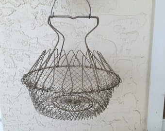 Vintage Country Wire Egg Basket