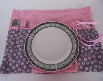 Individual table, individual to school, individual portable table, cutlery portable, table cloths, food rug, waterproof, lunch time