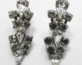 Vintage - Collectible - Clear Rhinestone Drop Earrings - Jewelry - Silver - Rhinestones - Earrings - Flawless - Sparkling - Women - Gift