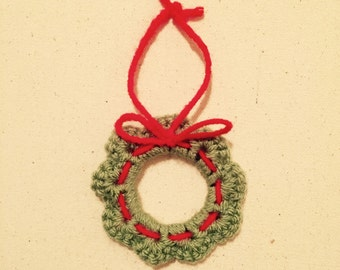 Crochet wreath ornament. 4 in a pack.