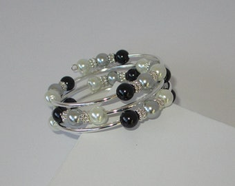 Black, Gray, and White Pearl Memory Wire Coil Bracelet