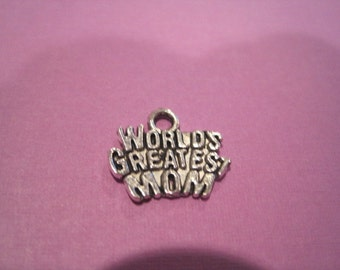 Worlds Greatest Mom Charms, Bulk 100pc for Moms Birthday, Mothers Day Or any Special Occasion for Mom