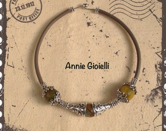 Necklace/collar-hard rigid collar necklace