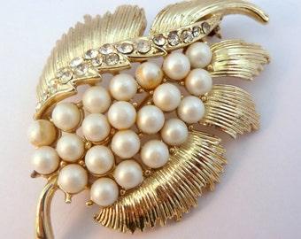 Vintage Large Jewelcraft Faux Pearl And Rhinestone Leaf Brooch.