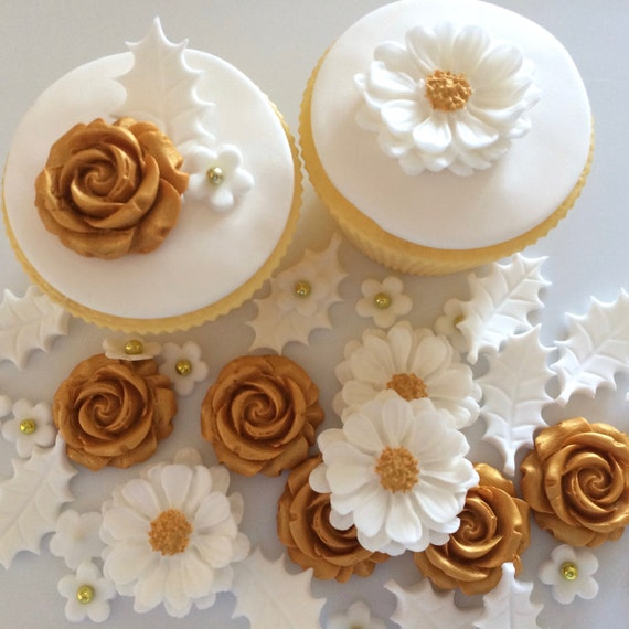 Christmas Cake Decorations Flowers: WHITE GOLD CHRISTMAS Bouquet Edible Sugar Paste Flowers