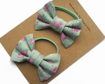 Pigtail Bows, Infant Girl Bows, Butterfly Hair Bow, Gifts for Toddlers, Green Floral Fabric Hair Bows, Hair Elastics