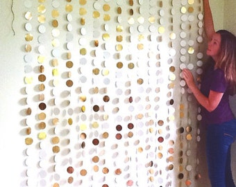 GOLD Circle Backdrop / wedding backdrop / gold garland backdrop / photobooth backdrop / photography backdrop / party / store window display