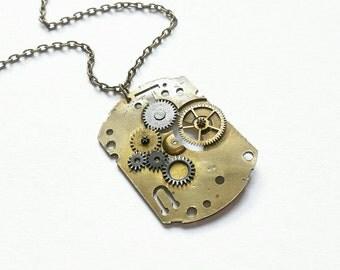 Watch Movement Necklace. Steampunk Jewellery. Steampunk Necklace. Watch Part Jewelry. Vintage Jewelry. Watch Mechanism. Vintage Watch Parts.
