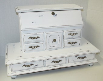 Large Shabby Chic White Distressed Jewelry Box / Cottage Chic Distressed Rustic Upcycle Vintage