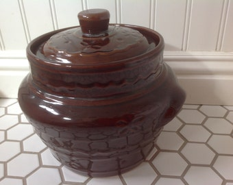 MarCrest Daisy Dot Pattern Bean Pot with Lid