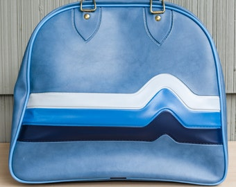 AWESOME: Vintage, retro shades of blue, pleather bowling bag