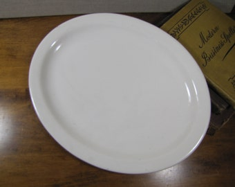 "Buffalo China - Restaurant Ware Oval Serving Platter - Creamy White - 11 1/2"" by 9"""