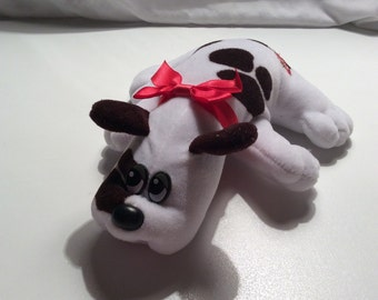 Vintage Pound Puppy White With Brown Spot & Red Bow 1980's