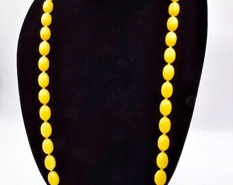 Yellow pop bead necklace, lemon yellow snap beads, bright yellow snap necklace, 1950s vintage plastic pop it beads, yellow necklace