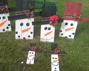 Reclaimed Pallet Snowmen- Small, Medium, Large
