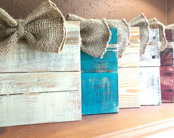 Rustic  pallet wood picture frame. Photo hanger, Burlap bow picture frame, Rustic gift card holder, burlap bow frame, Shabby Chic rame