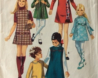 Simplicity 8941 vintage 1970's girls A-line dress or jumper sewing pattern size 4