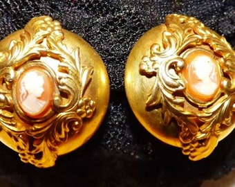Biedermeier earrings with cameos