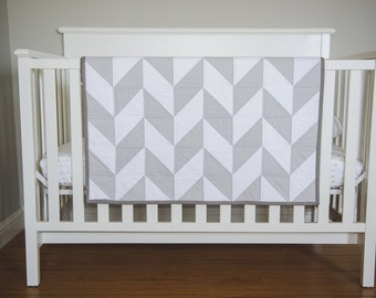 "Modern Baby Quilt. Herringbone Quilt, Modern Blanket. ""The Matthew"". Grey and White Hues. Baby Bedding, Gifts, Modern Nursery Decor"