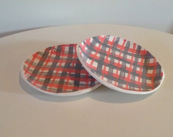 Pink and Grey Plaid Plate Set