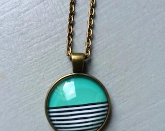 Geometic stripes pendant necklace