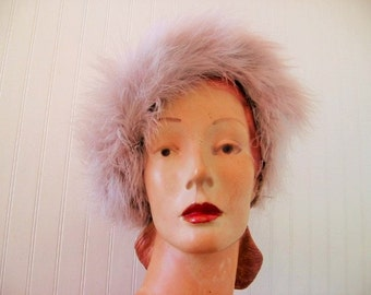 SALE! 1950's Pale Lavender Gray Marabou Feather Profile Cloche, Gorgeous!