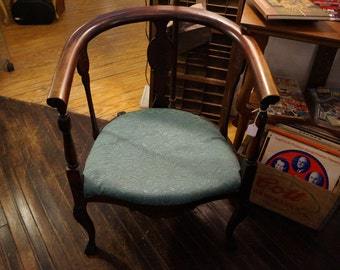 Antique late 19th Century Barrel Chair
