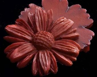 Vintage brick red plastic flat-back daisy. 28mm 2 pcs. b5-751(e)