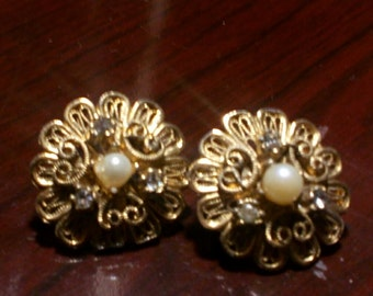 Vintage Pierced Round Gold and Pearl Errings...Fashion Jewelry..1 Inch