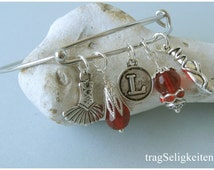 Red ballet charm bangle, personalized letter, ballet bracelet, tutu charm, pointe shoe charm, dance bangle, ballet jewellery, dance jewelry