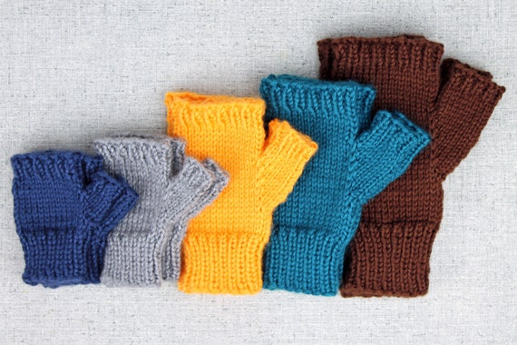 Basic Gloves Knitting Pattern : Knitting pattern: Fingerless Mitts basic solid by PurlsAndPixels