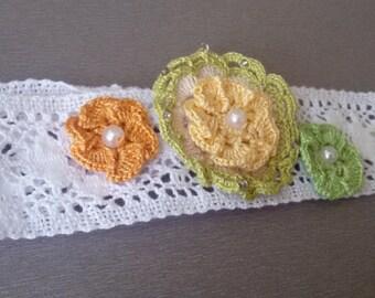 Girl headband, white lace headband, flowers girl headband, lace headband, white headband, shabby chic lace, crochet flowers
