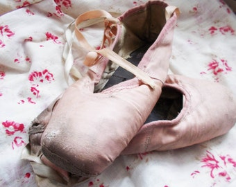 Antique Ballet Pointe Shoes Vintage Pink Ballet Shoes
