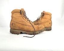11 M - Vintage Mens Distressed Chippewa Boots Size