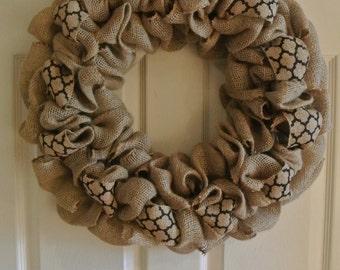 Basic Burlap Wreath with Black Pattern