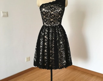 One-shoulder Black Lace Champagne Lining Short Bridesmaid Dress