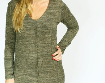 Oversized green tunic knit Dress Knee Length Women Casual Day Dress Loose Dress With V Neck And Long Sleeve